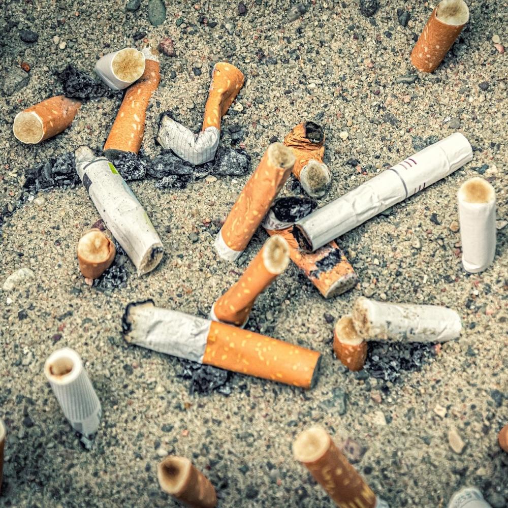 Cigarettes_Carre